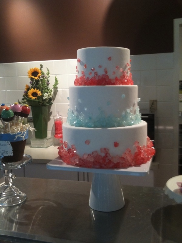 rock candy wedding cakes cupcake mania at cocoa and fig bakery in minneapolis 19244